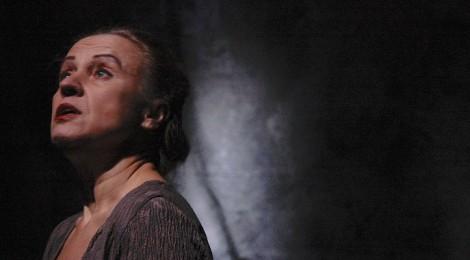 une-petite-fille-privilegiée-francine-christophe-magali-hélias-theatre-lucernaire-visuel-470x260
