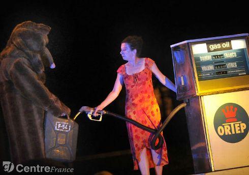 theatrederue2014-theatre-de-rue-eclat-aurillac-bele-bele-gra_1715839