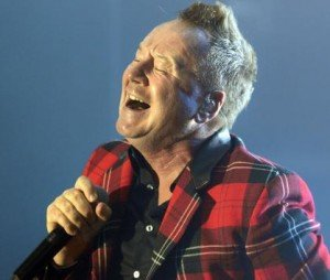 simple-minds-met-le-feu-lorient_0