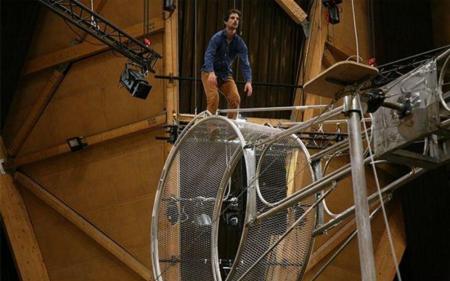 Fête des vendanges de Bagneux, les 29 et 30 septembre. Spectacle 78 tours avec une roue de la mort. DR