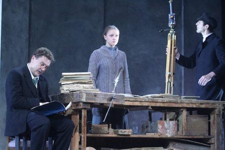 eugenia-kregzhde-oncle-vania-theatre-marigny-vakhtangov-sergey-makovetsky-syma-news-yeremian-florence--696x464