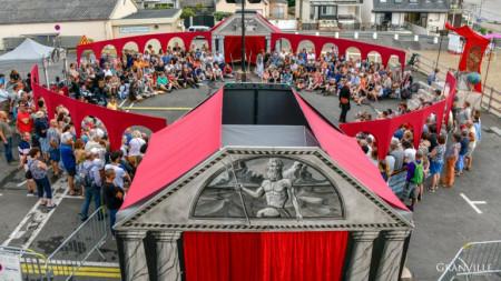 Le Grand cirque des sondages par la compagnie Annibal et ses élépants